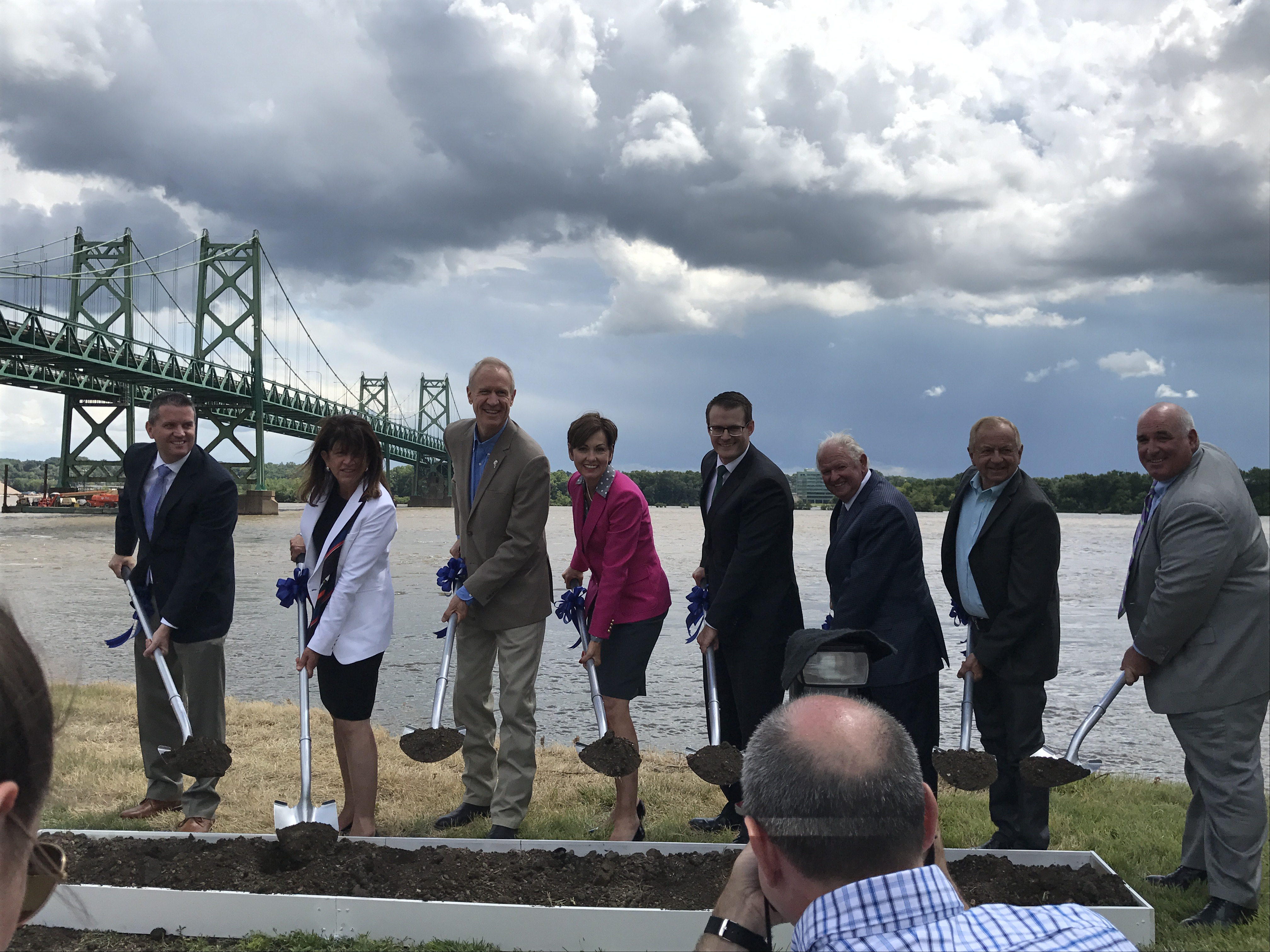 Gov. Reynolds, Gov. Rauner break ground on I-74 bridge reconstruction project