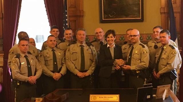 Gov. Reynolds accepts Gold Star Award